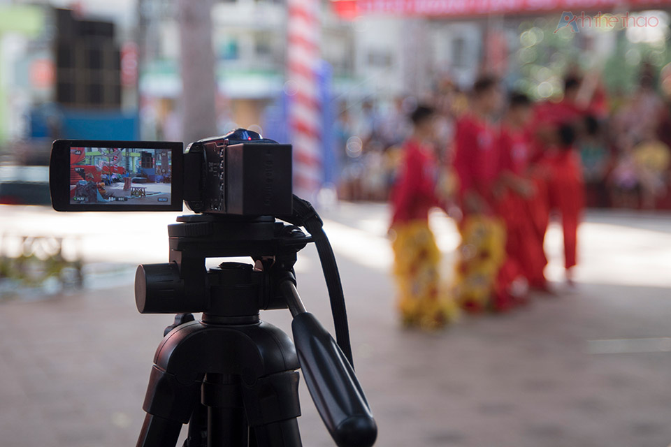 Năm nay BTC có tăng cường camera chiếu lên màn hình lớn phục vụ các khán giả không thể đến gần sân khấu