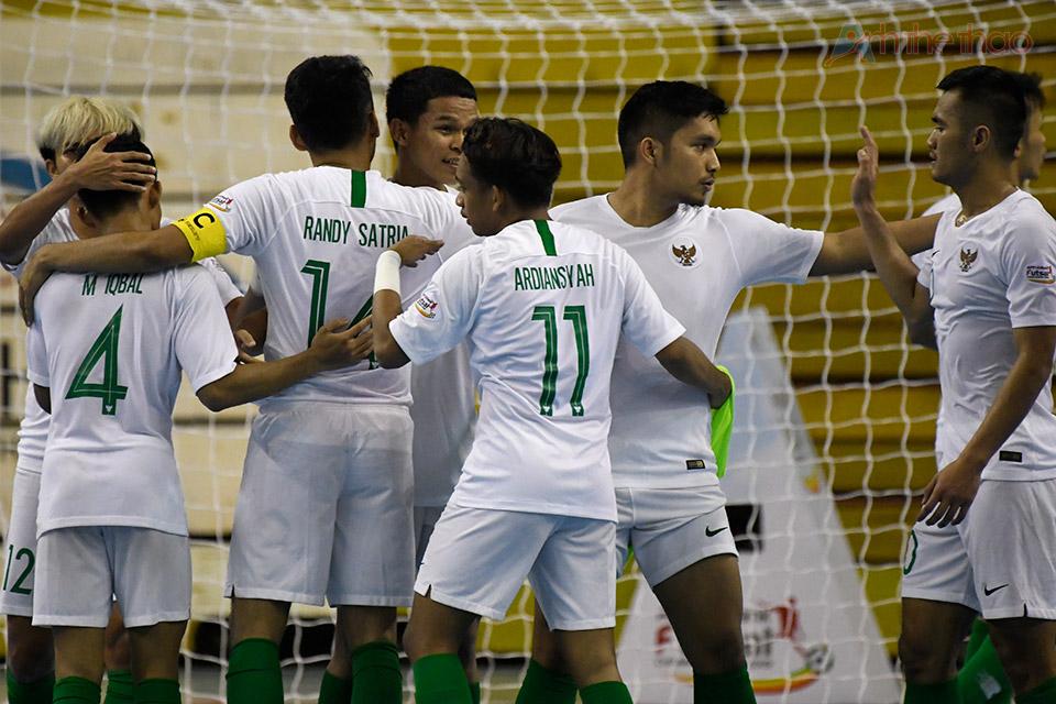 Cầu thủ Indonesia vui mừng khi cầm hoà được Vietnam